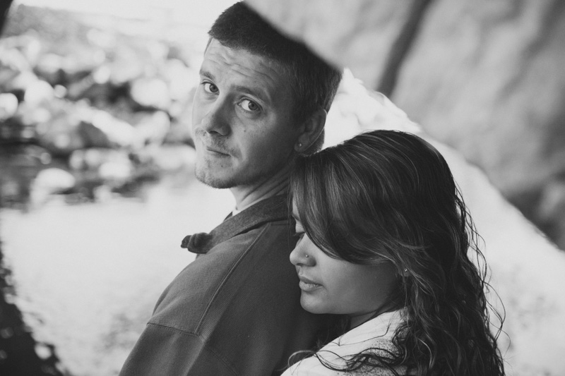 Romantic_engagement_portrait-140-2